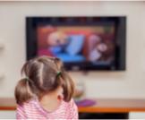 هل التلفاز يسبب التوحد؟ تعرف على الإجابة