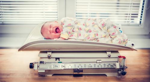 زيادة وزن الرضيع بسرعة ونصائح للأم