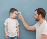 كيفية قياس درجة حرارة الطفل