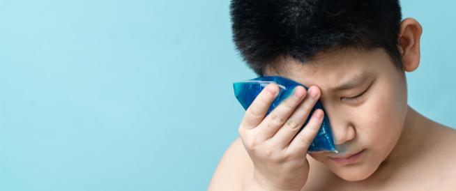 كمادات العين الباردة: ما هي وكيف تستخدم؟
