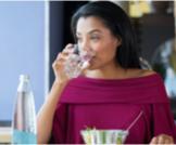 شرب الماء بعد الأكل