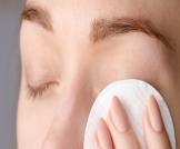 تعرف على فوائد الكمادات الدافئة للعين