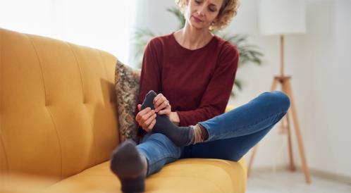 علاج آلام القدمين بعد المشي