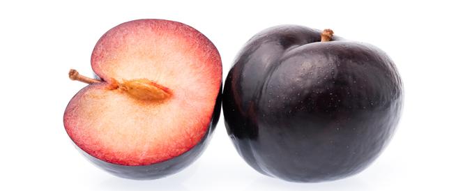 فوائد الخوخ الأسود: تقوية العظام ومقاومة الإمساك