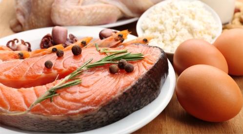 أكل البيض مع السمك: فوائد أم مضار؟