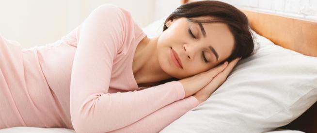 وضعية النوم المريحة للمعدة وأبرز النصائح