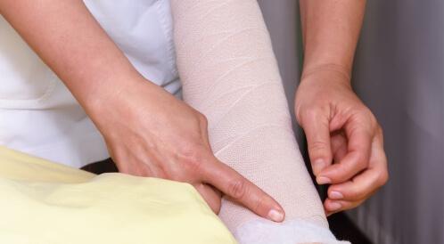 علاج تورم الذراع بعد استئصال الثدي