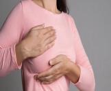 مخاطر إعادة بناء الثدي