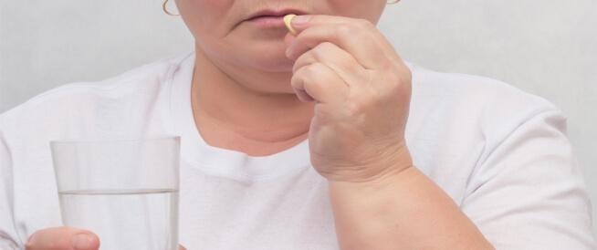 هل يمكن علاج قصور الغدة النخامية عند النساء؟
