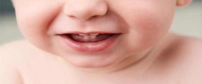 ظهور أسنان الرضيع مبكرًا: معلومات تهمك