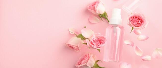 ماء الورد للوجه قبل النوم