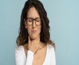 علاج ألم الحلق عند البلع
