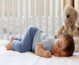 نوم الطفل على بطنه