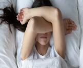 أسباب ألم العين عند الاستيقاظ من النوم