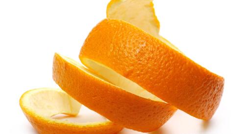 ماسك قشر البرتقال للبشرة الدهنية