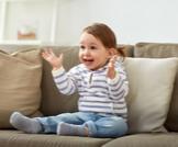 متى يبدأ الطفل بالتصفيق