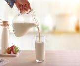 هل الحليب مفيد لحرقة المعدة