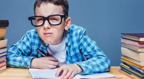 أعراض ضعف النظر عند الأطفال