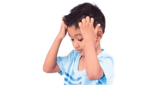 أسباب حكة الرأس الشديدة عند الأطفال