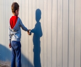 هل طفل التوحد يحب الخروج