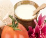 فوائد الطماطم والنشا للوجه