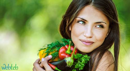 خمس أغذية تساعد على الوقاية من تجاعيد الوجه