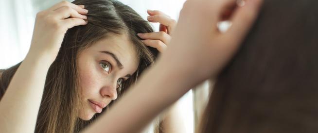 أمور تقوم بها وتؤدي لترقق الشعر