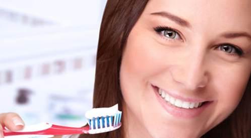 العناية اليومية في الفم والاسنان