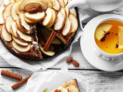 كعكة التفاح مع القرفة