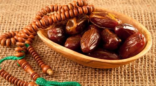 ينصح بتناول التمر في رمضان لمرضى الضغط
