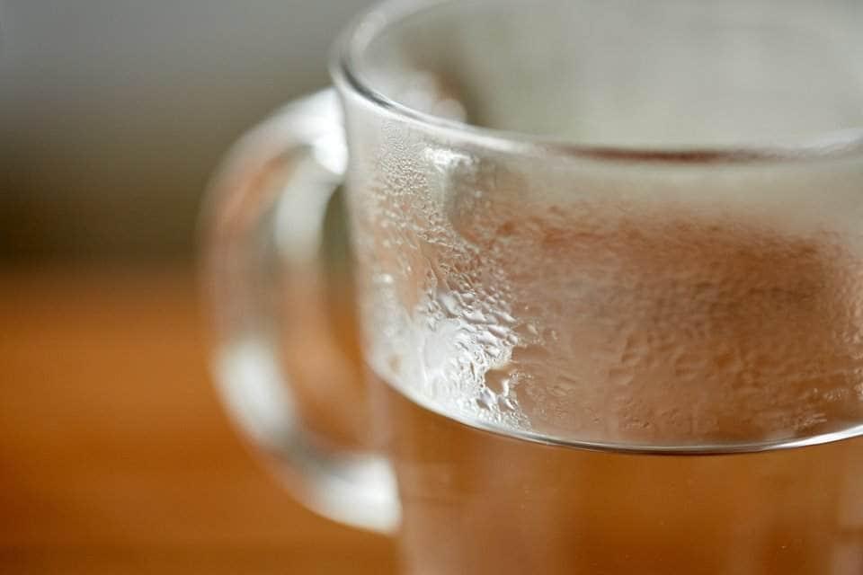 أشهر فوائد شرب الماء الساخن Hot