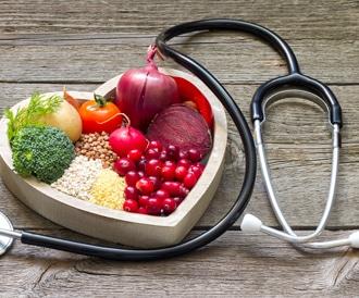 صورة لمجموعة من الأغذية المفيدة لصحة القلب