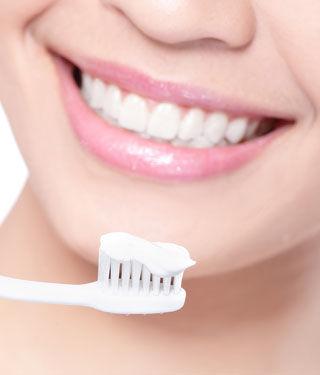 تنظيف الأسنان أثناء الصيام