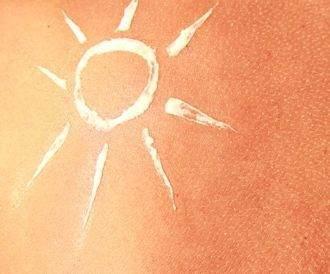 صورة لجلد عليها واقي شمس