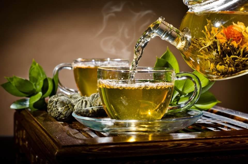كوب من شاي الأعشاب